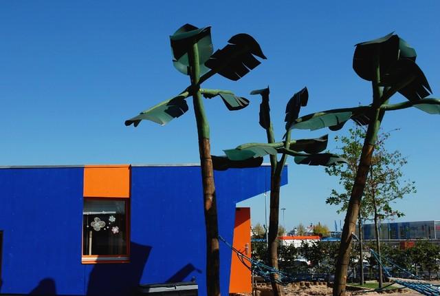 Diese Plastikidylle ziert einen Kinderspielplatz